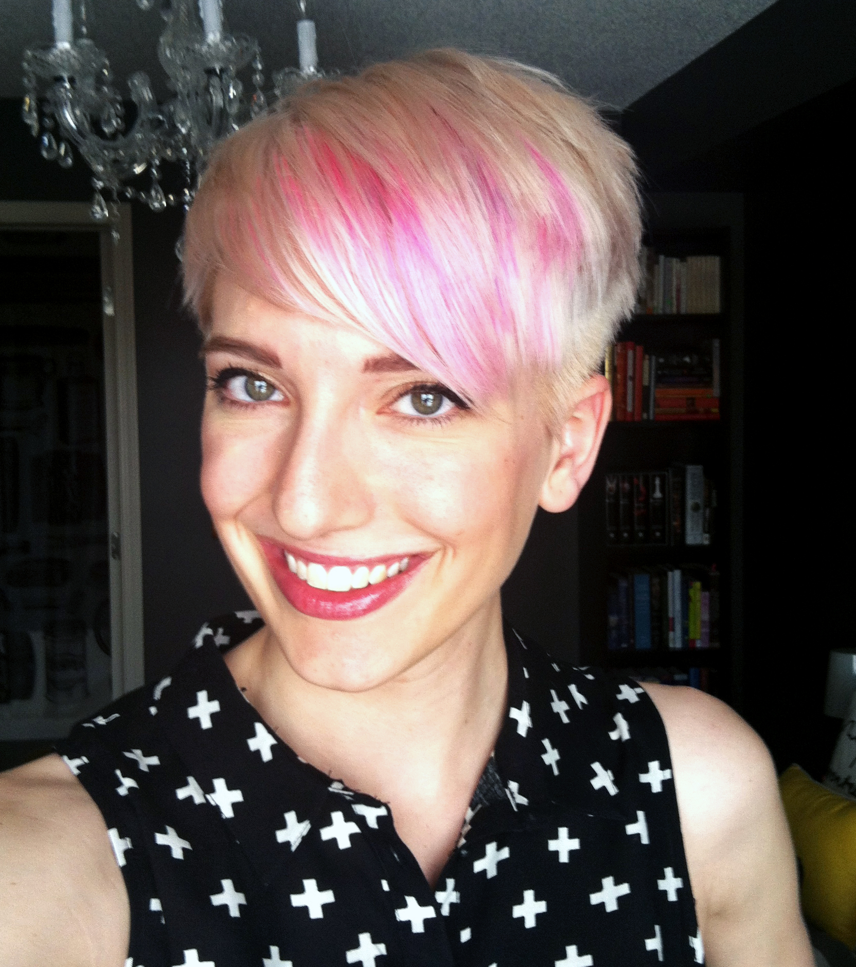 My New Do: platinum blush pixie haircut with pink highlights