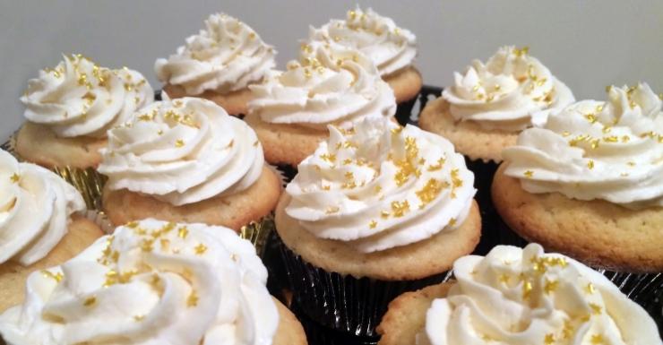 Oscars_30Birthday_Cupcakes